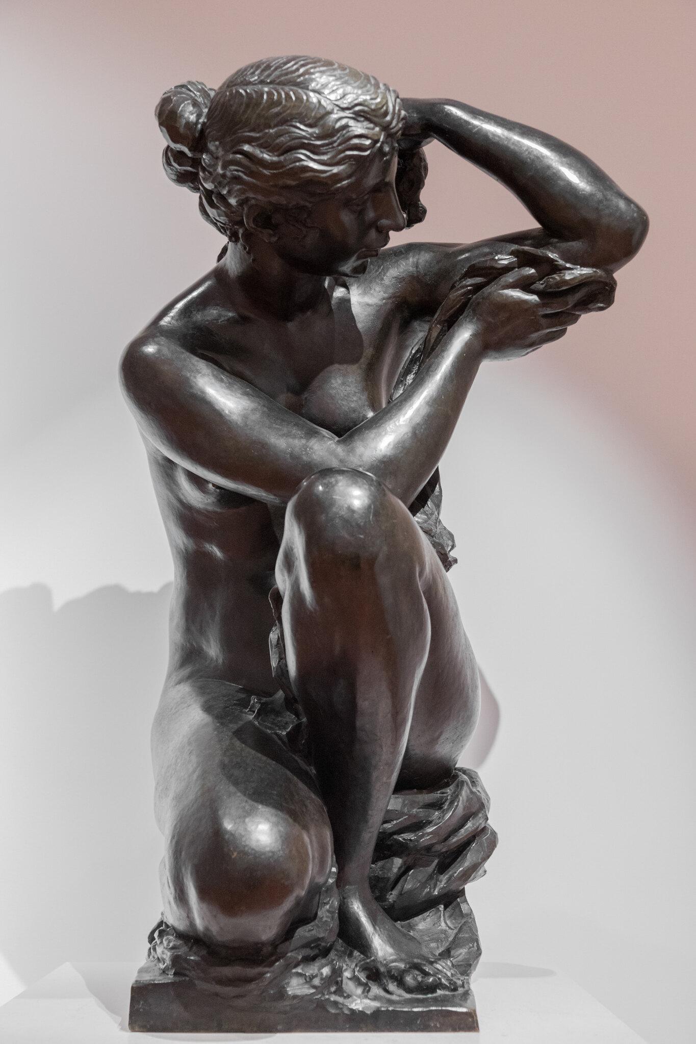 Grande Baigneuse, ou Femme agenouillée à sa toilette - Richard Guino, 1915