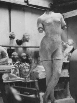 L'atelier de Guino à Antony en 1972 © Francesc Fontbona