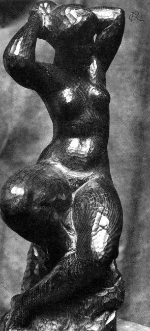 Femme assise tenant son chignon - Richard Guino c. 1913