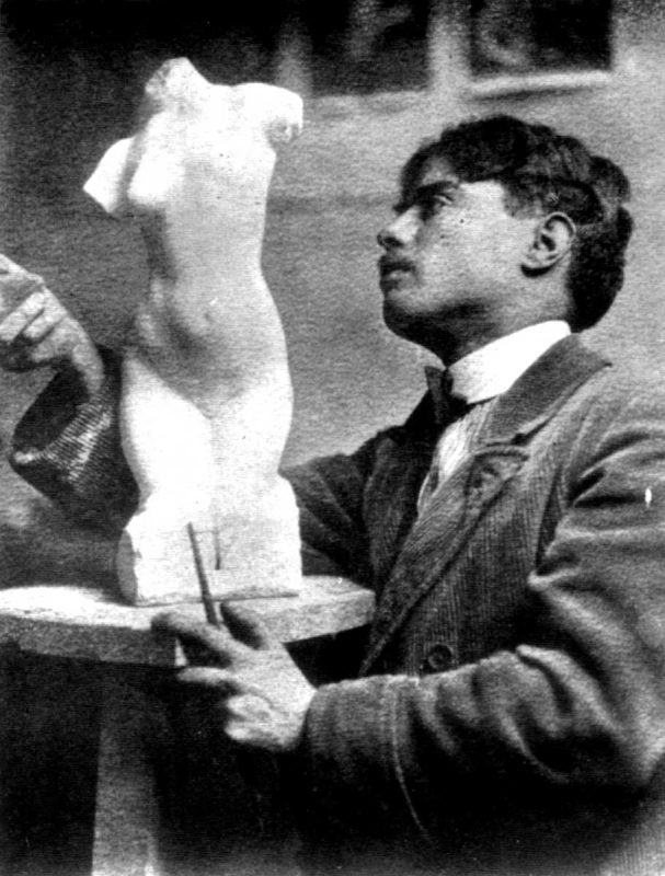 Richard Guino dans son atelier de la rue Daguerre, c. 1910