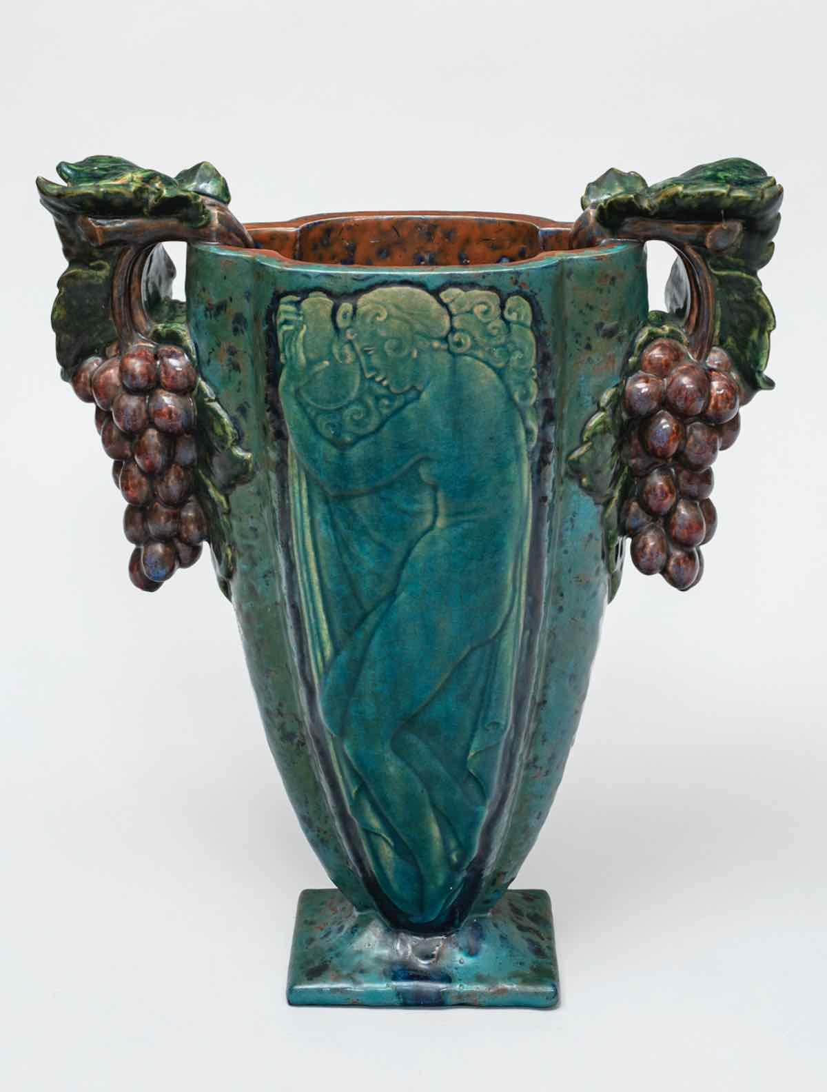 Vase avec anses en grappes de raisin - Richard Guino, c. 1920